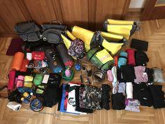 À l'intérieur de nos sacoches se trouvent de nombreuses choses : de quoi réparer et entretenir le vélo, de quoi s'habiller, être autonome et se laver ! Velo Quebec, Bike, Art, Veils, Drive Way, Vacation, Saddle Bags, Bicycle Kick, Travel