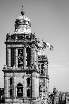 Catedral Metropolitana, Mexico City. December, 2016. #architecture #blackandwhite #fujifilm #fujifilmxt2 #centrohistorico #centro #cuauhtemoc #ciudaddemexico #mexico