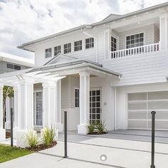 Very pretty Hamptons style display home. So nice to see something different… Hamptons Style Homes, Hamptons House, The Hamptons, Hamptons Decor, Exterior House Colors, Exterior Design, Weatherboard House, Queenslander, Modern Farmhouse Exterior