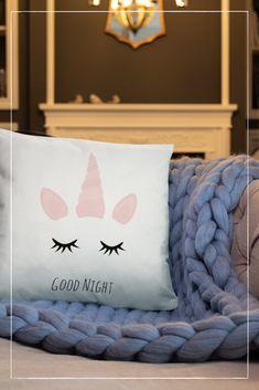 "Ein kuscheliges ""Good Night"" Einhorn-Kissen Under Construction, Lovely Things, Good Night, Bed Pillows, Pillow Cases, Home, Unicorn Pillow, Home Decor Accessories, Homes"