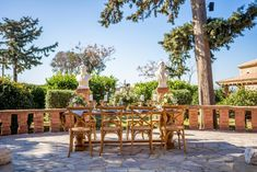 This Majestic Wedding Inspiration is just what you need this spring! Designed around Athenian landmark with 350 year old history for your royal wedding! Spring Wedding Inspiration, Royal Weddings, Greece, Tower, Table Decorations, Design, Greece Country, Rook, Computer Case