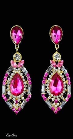 PINK drop earrings vintage big crystal CHUNKY Please if you have any question let me know Open to offers Jewelry Earrings Emerald Earrings, Teardrop Earrings, Vintage Earrings, Women's Earrings, Ring Necklace, Crystal Earrings, Hanging Earrings, Chandelier Earrings, Accessories