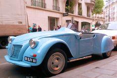 Citroën 2CV by Pierre Barbot (l'échappement n'est pas tout à fait l'original). Une 'barquette' voiture de course sur base 2CV raccourcie de 25 cm construite à l'unité entre 1951 et 1953 http://www.pinterest.com/pin/491173903082884896/