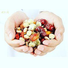 Dieta Para Gastritis Y Diverticulitis Gastritis Erosiva, Chinese Herbs, Traditional Chinese Medicine, Fatty Liver, Natural Medicine, Health Coach, Herbalism, Safety, Hands