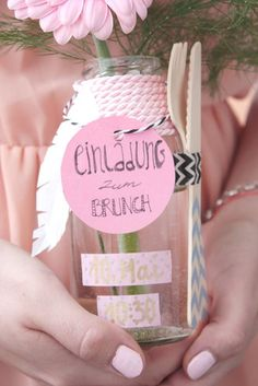 Cute gift idea. Invitation for brunch in a jar #geschenkidee #einladung #brunch                                                                                                                                                                                 Mehr