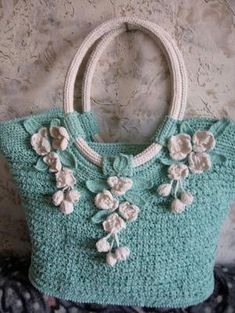 crochet bag by lakisha Crochet Shell Stitch, Crochet Tote, Crocheted Purses, Love Crochet, Crochet Handbags, Knitted Bags, Fleur Crochet, Beautiful Crochet, Diy Crochet