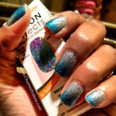 Love this new color/design of Sally Hansen Salon Effects real nail polish strips.