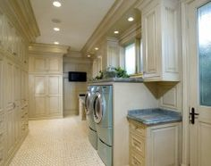 Butlers pantry storage with laundry room good idea - Why doesn't my laundry room look like this?