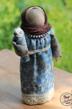 Fabric doll a'la Russe / Народные куклы ручной работы. Кукла мамушка. Юлия Зерцикель. Интернет-магазин Ярмарка Мастеров. Мамушка, семейный оберег, младенец