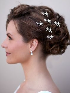 Mini Starfish Bridal Hair Pin ~ Daria Maybe? Not sure if they'd show up in my hair