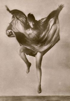 Mary Wigman is one of Rudolf von Laban's best known students. Watch her celebrated Hexentanz (Witch Dance) first choreographed in 1914 and here filmed in 1930.
