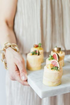 Mini fig naked cakes...YUM: http://www.stylemepretty.com/living/2015/10/06/champagne-pear-cocktail-and-mini-naked-fig-cakes/ | Photography: Maxeen Kim -  http://www.maxeenkimphotography.com/