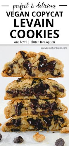 The best cookies on the planet, exactly like the originals, but vegan and gluten free! These wonderfully oversized cookies are absolutely bursting with chocolate chips and walnuts and happiness. Healthy Vegan Cookies, Vegan Gluten Free Cookies, Vegan Sweets, Vegan Gluten Free Breakfast, Vegan Food, Healthy Foods, Levain Cookie Recipe, Levain Cookies, Best Vegan Cookie Recipe