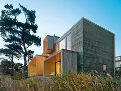 Exterior, House Building Type, Flat RoofLine, Beach House Building Type, and Wood Siding Material A Pine Box Vacation Home in Sweden - Photo 7 of 8 - Architecture Durable, Famous Architecture, Residential Architecture, Architecture Design, Scandinavian Architecture, Modern Properties, Exterior Design, House Tours, Building A House