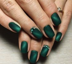 What Christmas manicure to choose for a festive mood - My Nails Chic Nail Designs, Green Nail Designs, Easy Designs, Matte Nails, Pink Nails, My Nails, Polish Nails, Matte Green Nails, Chic Nails