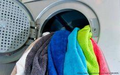 Use Vinegar & Baking Soda to Fluff Up Worn-Out Bath Towels « MacGyverisms :: WonderHowTo Washing Towels, Washing Soda, Old Towels, Washing Clothes, Bath Towels, Wash Towels With Vinegar, Freshen Towels, Baking Soda Dark Circles, Vinegar Cleaner