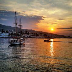 Zorba The Greek, Greek Beauty, Greece Islands, Fisher, Sailing, Traveling, Country, Photos, Men