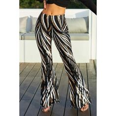 Black Swirl Sequin Kick Flare Trousers It's time to up your party game with a pair of this seasons most wanted trophy trousers Sequin Pants, Striped Pants, Type Of Pants, Jumpsuit With Sleeves, Black Sequins, Flare Pants, Street Chic, Wide Leg Pants, Pants For Women