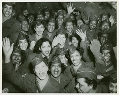 Womens Army Corps, COMING HOME (1946), Staten Island Terminal, New York   (I love this photo)   @A Lifetime Legacy
