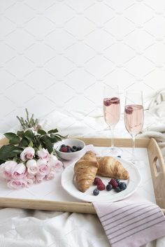 Mothers Day Breakfast Discover Breakfast In Bed Champagne & Roses. This portrait hand styled image is perfect for Valentines Day Mothers Day a special Anniversary or any morning that deserves a little TLC. Mothers Day Breakfast, Birthday Breakfast, Morning Breakfast, Breakfast In Bed, Perfect Breakfast, Creative Studio, Champagne Breakfast, Breakfast Photography, Bed Photos