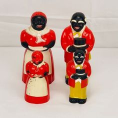 Adorable Vintage Salt and Pepper set Red and White Collectable   #CCD
