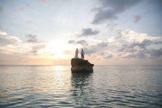 Boda Realizada por #JustMarriedColombia Indra+Seth @Michael Provenzano Cruz #bodasDeDestino fotografia por Diastole & Sistole Celestial, Sunset, Outdoor, Weddings, Fotografia, Outdoors, Sunsets, Outdoor Games, The Great Outdoors