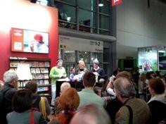 """Nr. 7 #Blogparade: """"Das war die #fbm13"""" via @muellerstephanie: Smartphones sind in, Notizblöcke auch, -zettel sind out, flimmernde Kästen und Vips überall und gewichte Gespräche über den Kaffeegenuss - wunderbar, vielen Dank dafür! Post vom 15.10.2013 #KulturEr"""