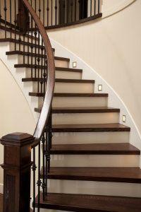 Eine Treppenrenovierung bringt hochwertige Ergebnisse.