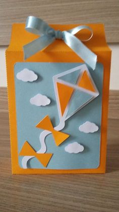 Resultado de imagem para Cartão pipa lembrancinha para chá de bebê