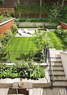 Landscape Inspiration: A Dozen Lush & Lovely Townhouse Backyards   Apartment Therapy