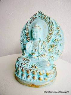 BUDA IMPERIAL - TURQUESA E DOURADO | BOUTIQUE KASA | Elo7 Gautama Buddha, Buddha Art, Antique Frames, Buddhism, Inventions, Decoration, Lion Sculpture, Ceramics, Mythology