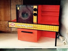1970s Easy-Bake Oven by Kenner by PiccadillyPrairie on Etsy