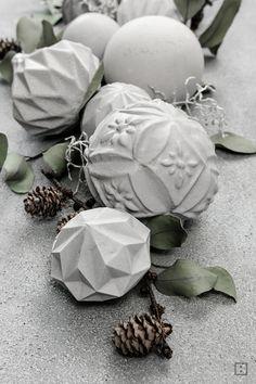 Christbaumkugeln aus Beton -Dekoration für Weihnachten Outdoor