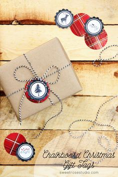 Adorable FREE Chalkboard Christmas Gift Tags that pair perfectly with all of your favorite plaids!
