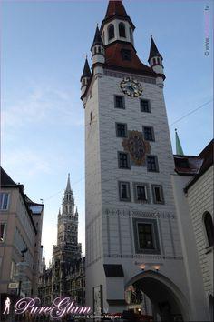 Toys museum with Rathaus at Marienplatz in the back - Spielzeugmuseum - Munich/ München, Germany/Deutschland
