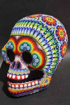 Huichol bead art, Mexico. More on the Huicholes / Wixárika at: http://www.puertovallarta.net/what_to_do/wixarica-art-traditions.php