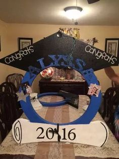 Discover thousands of images about Graduation DIY photo booth Graduation Crafts, Graduation Party Planning, College Graduation Parties, Kindergarten Graduation, Graduation Celebration, Graduation Decorations, Graduation Party Decor, Grad Parties, Graduation Ideas