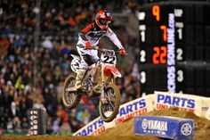 Chad Reed (22) placed third in the supercross main event at Quest Field.