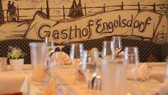 Die sächsisch gutbürgerliche Küche unseres traditionsreichen Leipziger Restaurants bietet Ihnen ein umfangreiches Angebot an kulinarischen Köstlichkeiten, bei denen jeder etwas für seinen Geschmack finden wird.