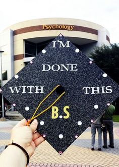 Why I Won't Be Encouraging My Kids To Go To College - Graduation pictures,high school Graduation,Graduation party ideas,Graduation balloons College Graduation Pictures, College Graduation Parties, Nursing Graduation, Grad Pics, Grad Parties, Graduation Gifts, Graduation Party Outfits, Grad Pictures, Graduation 2016