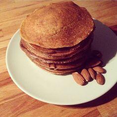 Pancakes hyperprotéinés à la poudre d'amande