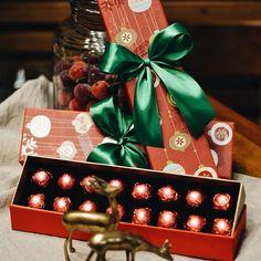 Para que o Natal e o Novo Ano sejam igualmente doces! 🎄🎁✨🍫 Mais uma opção de caixa que personalizamos para vocês... #NatalCiaMineiradeChocolates #PresenteieChocolate #Natal #Christmas #Xmas #Chocolate