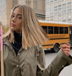 Carré long : les 30 plus belles façons de l'adopter ! - hair - Welcome Hair Design Blonde Hair Looks, Brown Blonde Hair, Short Blond Hair, Thin Hair, Sandy Blonde Hair, Blonde Lob Hair, Blonde Hair Models, Black Hair, Caramel Blonde Hair