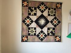 Syet på kursus i Helsinge inspireret af Birte  Bødker Quilts, Blanket, Home, Quilt Sets, Ad Home, Blankets, Homes, Log Cabin Quilts, Cover