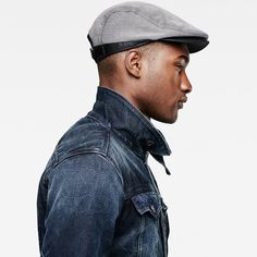 Nice style details.!This flat cap is made for a comfortable fit with a forward-slouched crown and short brim.