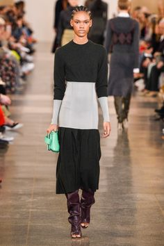 df396537b1645 Victoria Beckham Fall 2019 Ready-to-Wear Fashion Show Collection  See the  complete Victoria Beckham Fall 2019 Ready-to-Wear collection.