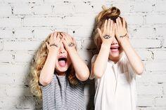Jugamos al escondite? #Buenosdias #FelizMiercoles #juegos Encontrado en urbanmoms.nl  Recuerda tú te encargas de la #creatividad, nosotros de la #impresion.  www.bramona.com  www.bramona.com/wordpress. (#ideas originales para #personalizar tu día a día…)