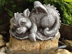 Steinfiguren Drache Fantasiefigur Garten Deko Steinguss Gartenfiguren Drachen in Garten & Terrasse, Dekoration, Gartenfiguren & -skulpturen | eBay