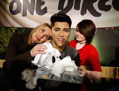 Kleenex and Madame Tussaud's Help Fans Cope with Zayn One Direction News #publicitystunts trendhunter.com