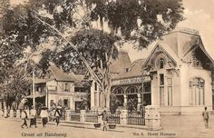 Tempo Doeloe - Bandung, Hotel Homann, 1912 (for Joe).old postcard This hotel, situated along the Jalan Raya Pos, was famous for the great cooking by mother Homann and was replaced by the Hotel Savoy Homann in (best viewed in Large) Old Pictures, Pretty Pictures, Old Photos, Bandung City, Dutch East Indies, Dutch Colonial, Colonial Architecture, Old Postcards, Photos